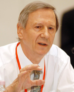 anthony giddes at the progressive governance converence budapest hungary 2004 octoberwww
