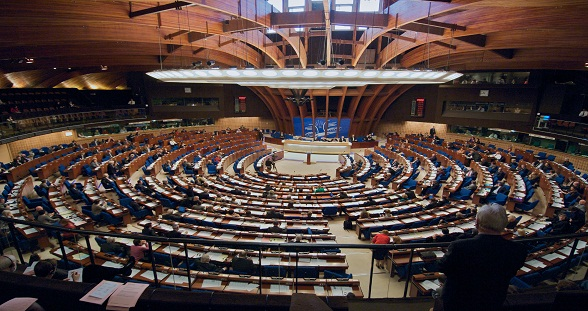 Hemicycle 588-311